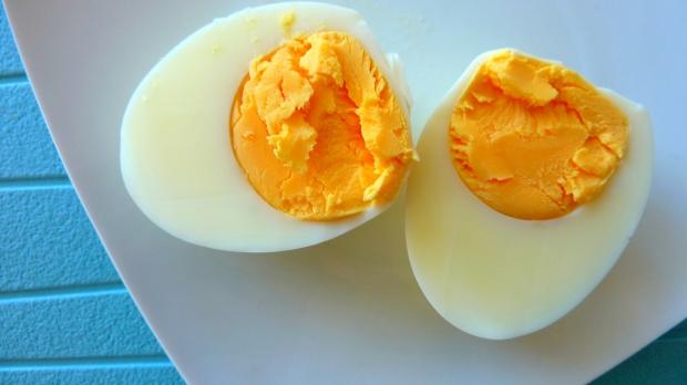 Miam, un jaune d'oeuf foncé est un jaune d'oeuf super nutritif!
